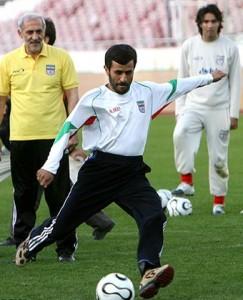 احمدی نژاد فوتبال